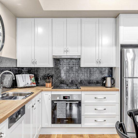 Grandview-Apartments-Accommodation-Elm-Tree-Apartment-2-002