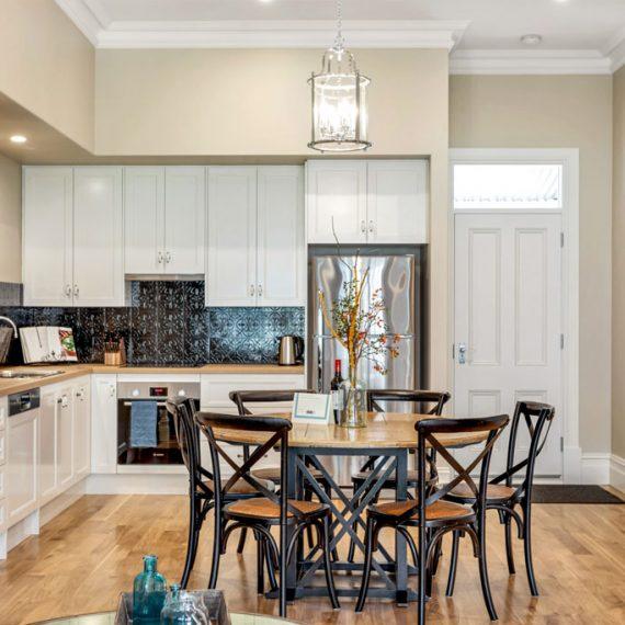 Grandview-Apartments-Accommodation-Elm-Tree-Apartment-2-018